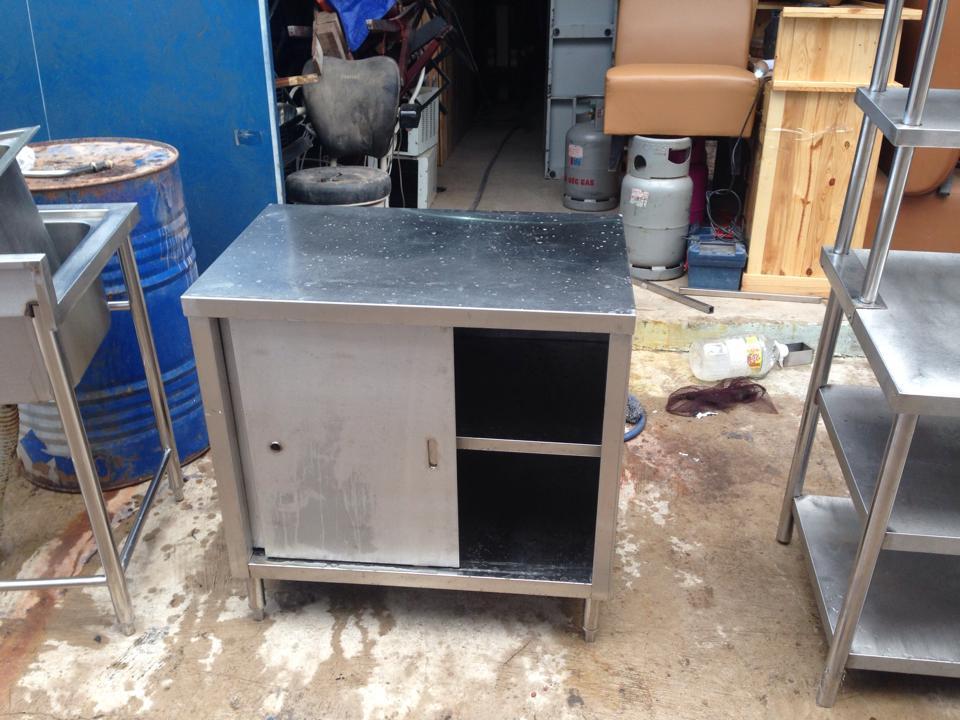 Thanh lý tủ bếp inox 0577